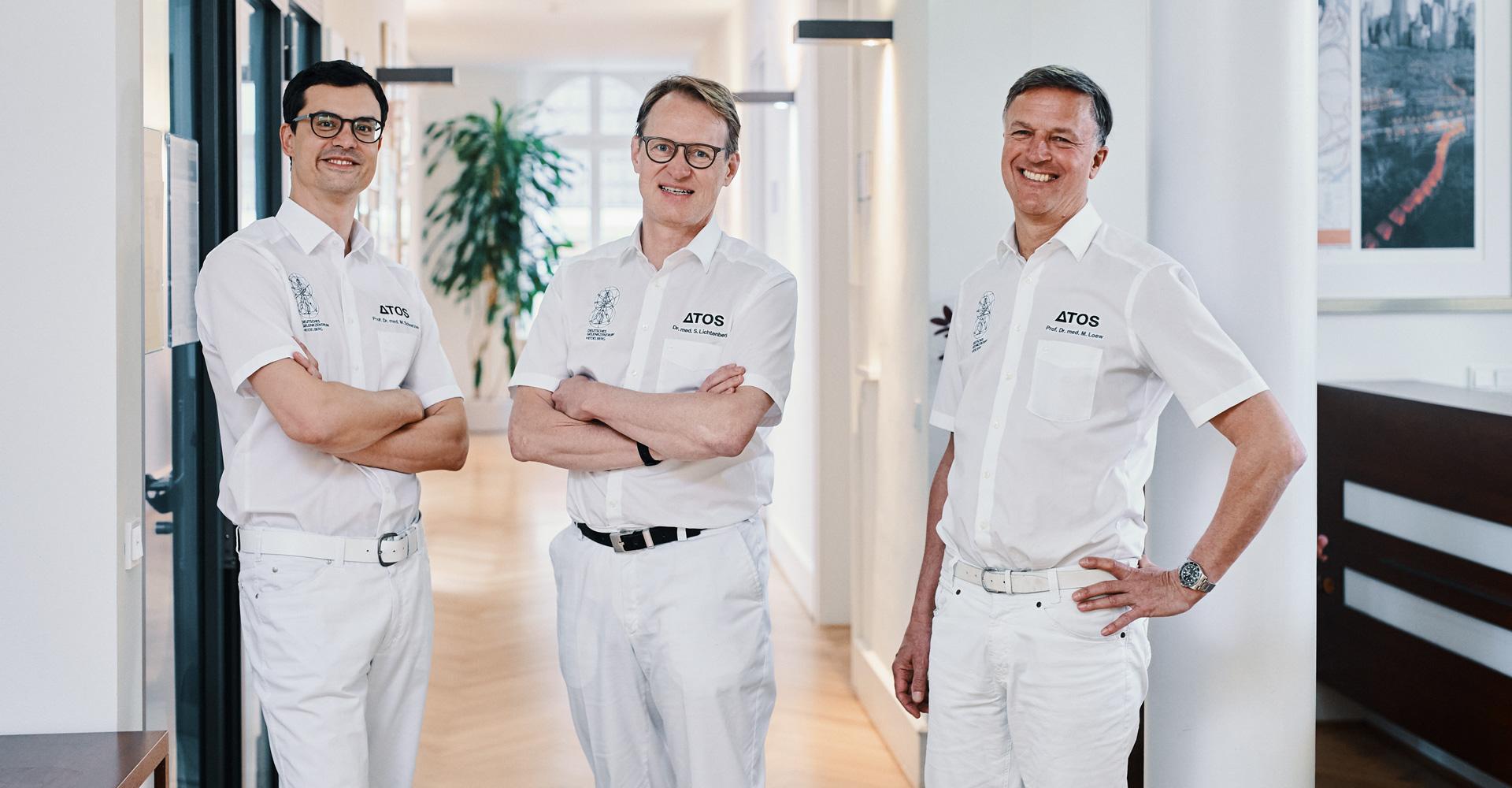 Gruppenfoto Dr. Lichtenberg, Prof. Schnetzke und Prof. Loew (obere Extremität)